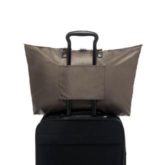 JUST IN CASE TOTE Mink/Silv. - medium | Tumi Thailand